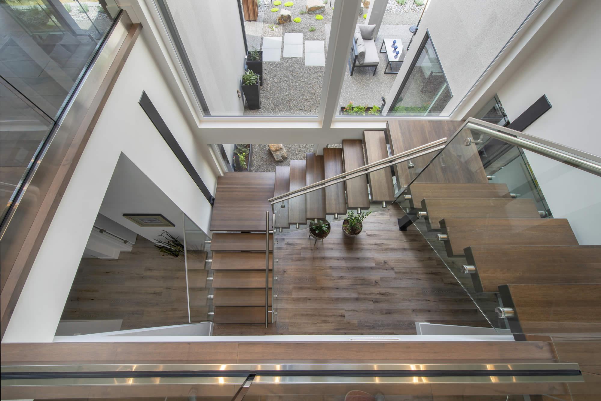 05-Stairwell
